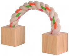 Trixie Toy Rope - sznur z drewnianymi kostkami, zabawka dla świnki morskiej lub królika.