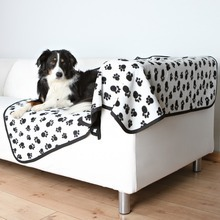 Trixie Benny- polarowy kocyk dla psa 150cm x 100cm , biały w czarne łapki